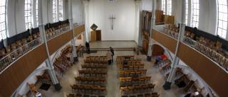A transformação de uma igreja que passou a ser casa de refugiados