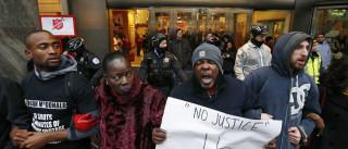 Milhares nas ruas de Chicago em protesto contra atuação policial