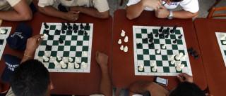 Vencedor de festival de xadrez agredido com violência na rua