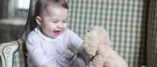 Princesa Charlotte fotografada pela mãe Kate Middleton