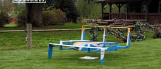 Jeremy Clarkson demonstra entrega aérea da Amazon
