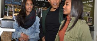 Veja Obama e as filhas nas compras