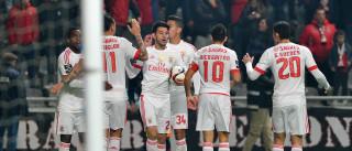 Benfica passa teste de fogo contra arsenalistas de 'pólvora seca'