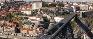 Turistas ficaram seis noites e gastaram 745 euros no Porto e Norte