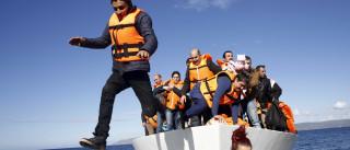 Militares da GNR resgatam 56 refugiados na Grécia