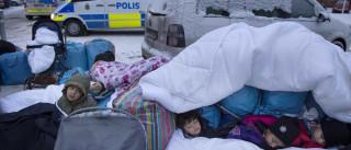 Síria: Milhares enfrentam frio e chuva para fugir a ataque russo