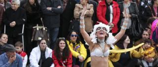 Carnaval de Ovar com pinóquios que misturam malícia e crítica política