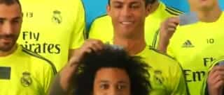 Marcelo queria ficar bem na foto mas Ronaldo não deixou