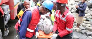 Mulher resgatada dos escombros seis dias após queda de prédio no Quénia