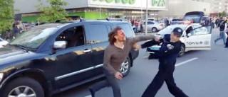Ex-medalha de ouro em Atlanta preso após tentar agredir sete polícias