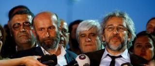 Jornalistas turcos condenados por revelarem segredos de Estado