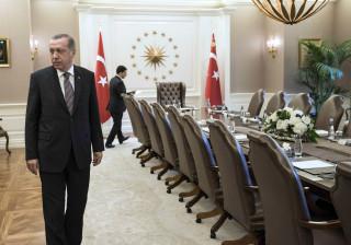 """Presidente da Turquia considera ataques da Rússia são """"inaceitáveis"""""""