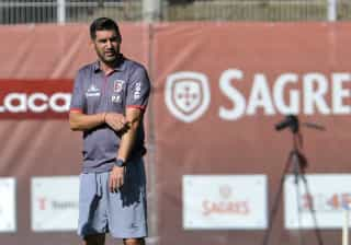 Paulo Fonseca satisfeito por jogar em casa com o Sporting