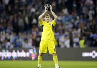 Casillas atinge jogo 100 como capitão