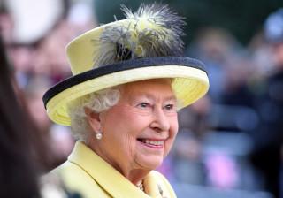 Sabia que a rainha Isabel II usa o mesmo verniz de unhas há 30 anos?