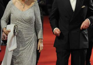 Príncipe Carlos celebra 15 anos de casamento após susto de saúde