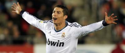 Cristiano Ronaldo deixa mulheres do aeroporto 'loucas'