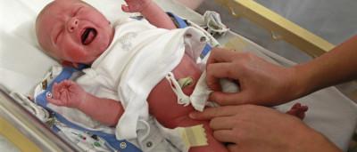 Choro dos bebés ativa medo mais profundo nos adultos