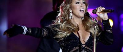 Mariah Carey trabalha em livro durante férias com filhos