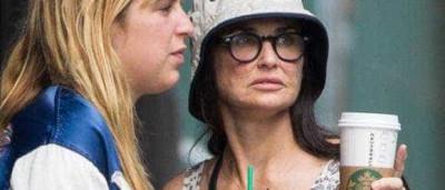 O que aconteceu à cara de Demi Moore?