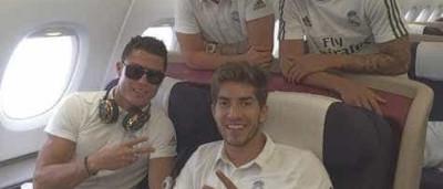 Ronaldo a caminho da China com amigos