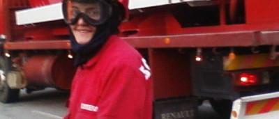 Taxista insulta no Facebook bombeira que morreu