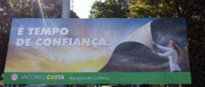 Cartazes polémicos do PS serão retirados das ruas