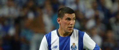 Portistas revelam custos da contratação de Maxi Pereira