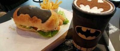 É fã do Batman? Este restaurante é ideal para si