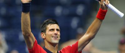 Djokovic celebra com fã em pleno court ao ritmo de... Gangnam Style