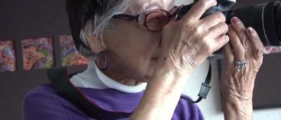 Tem 101 anos e continua a fazer o que mais gosta... fotografar