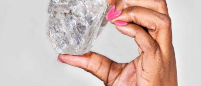 Há um novo material mais duro que diamante