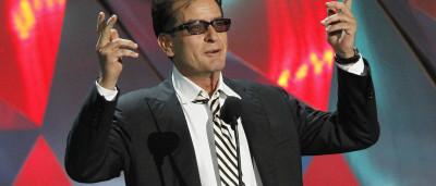 Charlie Sheen desconfia de quem o terá infetado com VIH