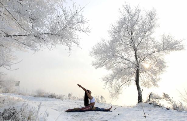 Exercício Praticar yoga nos locais mais inesperados-veja fotos Naom_555c4e666de0e