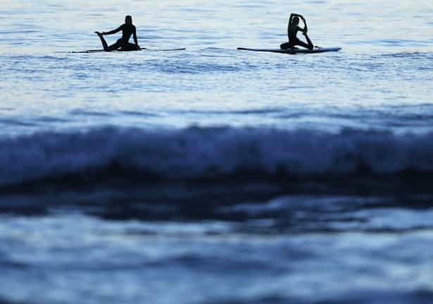 Exercício Praticar yoga nos locais mais inesperados-veja fotos Naom_555c4eec70026