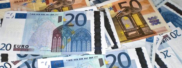 Ministério das Finanças comunica a Bruxelas dívida de 127,8% do PIB