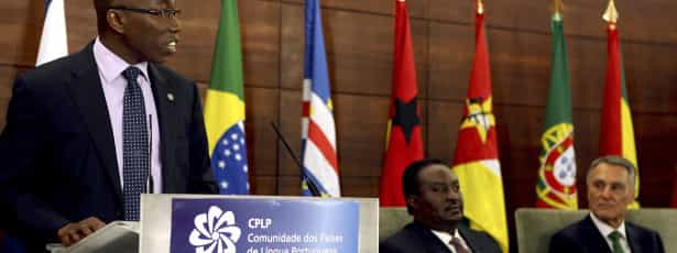 Nigéria oferece fardamento às Forças Armadas da Guiné-Bissau