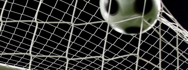 Benfica lidera na Guiné-Bissau, Sporting a três pontos