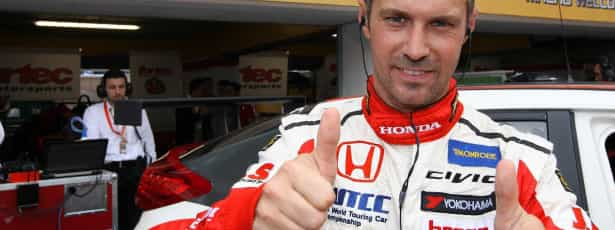 Tiago Monteiro 17.º na grelha para a corrida de WTCC na Boavista