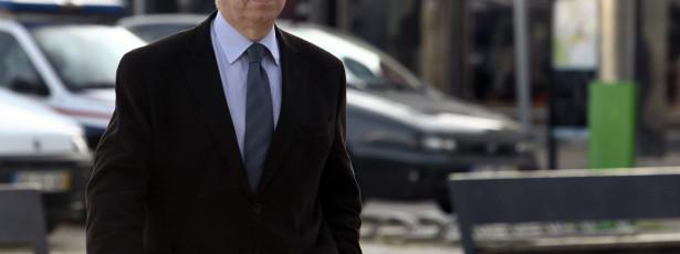 Teixeira dos Santos garante que informou Vítor Gaspar sobre contratos 'swap' em 18 de julho de 2011