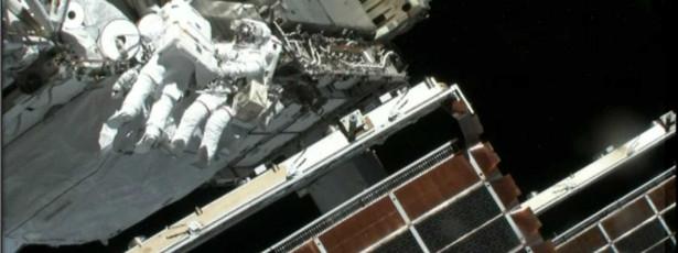 Cargueiro espacial russo acoplou com êxito