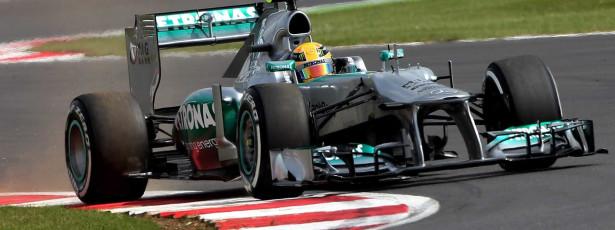 Lewis Hamilton garante 'pole' no GP da Grã-Bretanha