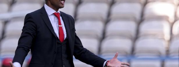 Olhanense confirma rescisão com Abel Xavier