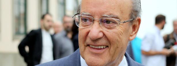 BES: Pinto da Costa sente-se vigarizado por Passos e Cavaco