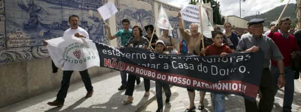 Viticultores protestaram contra extinção da Casa do Douro