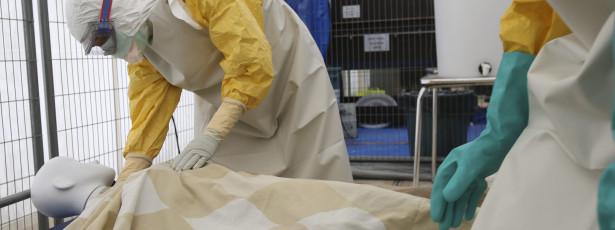 Hospital dos EUA declara curado operador de câmara da NBC