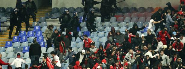 Benfica critica carga policial no jogo com a Académica