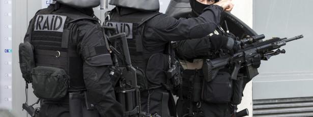 Cinco detidos em França por alegada ligação a recrutamento de jihadistas