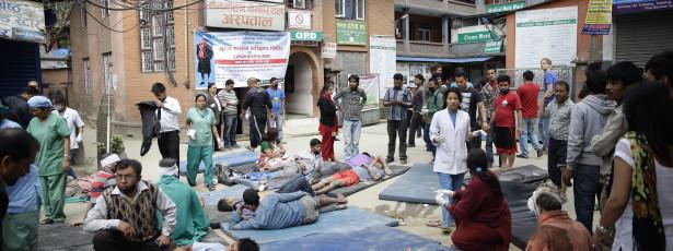 Pelo menos 114 mortos na sequência de sismo no Nepal
