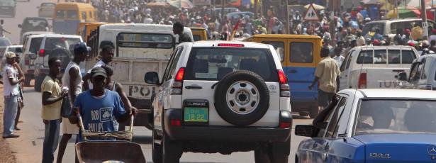 Governo guineense quer instalar 'chips' em automóveis